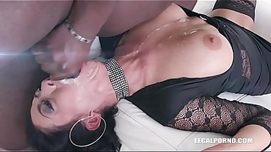 Morgan XX goes kinky and gets wet in all senses IV320