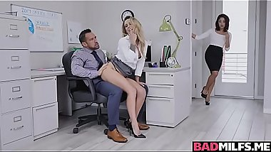 Isabella and Isabelle dick down on horny boss Johnny Castle'_s big cock