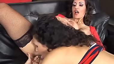 Horny pretty sluts love to share their pussy with handsome dude