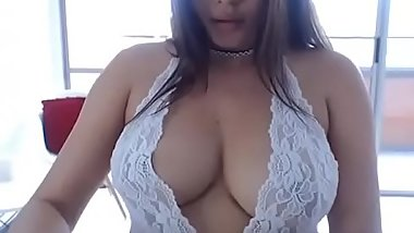 Latin bitch with round tits and ass