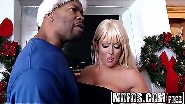 Mofos - Milfs Like It Black - (Alura Jenson) - Horny Holidays
