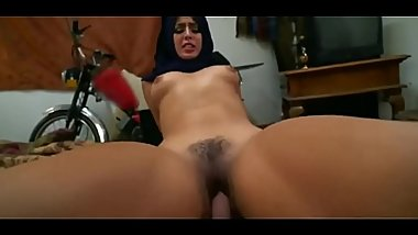 Muslim Woman gets fucked by white cock
