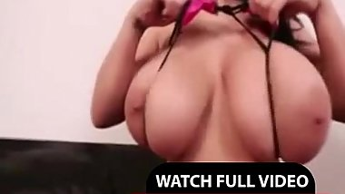 Huge tits Leanne Crow - DailyWebShows.com
